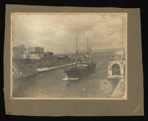 Tre fotografie dello stabilimento e del pontile di La Spezia e 3 del piroscafo Città di Milano