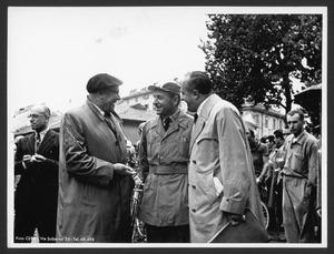 Arturo Pozzo, dirigente Pirelli e ideatore del Gran Premio Pirelli, Alfredo Binda, ex campione del ciclismo e organizzatore della manifestazione, e Adriano Rodoni, presidente dell'Unione Velocipedistica Italiana (U.V.I.)