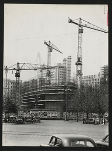 Construction of the Pirelli Centre - May 1957 - photo by Publifoto