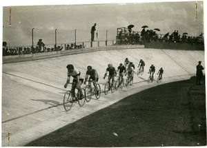 Corsa ciclistica al Velodromo Sempione