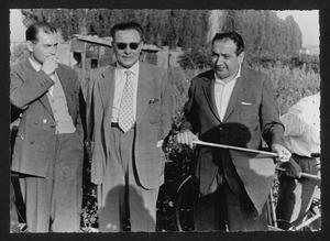 Il mossiere, Luigi Borsano, insieme ad altre persone