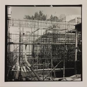 Ottobre 1956, veduta del cantiere del Centro Pirelli: armature in acciaio delle strutture di fondazione