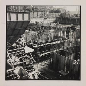 Ottobre 1956, veduta del cantiere del Centro Pirelli: posa delle fondamenta