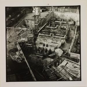 19 ottobre 1956, veduta dall'alto del cantiere del Centro Pirelli: sono riprese le strutture di fondazione