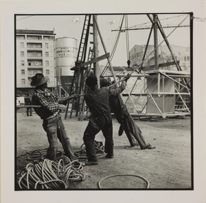 24 ottobre 1956, veduta del cantiere del Centro Pirelli: uomini al lavoro