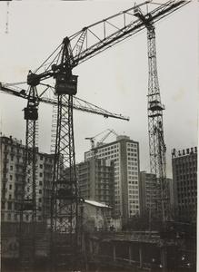 29 ottobre 1956, cantiere del centro Pirelli: alcune gru