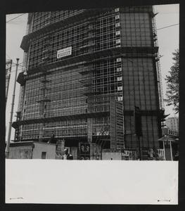 Il grattacielo Pirelli in costruzione: la facciata