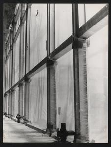 Il grattacielo in costruzione: particolare della facciata