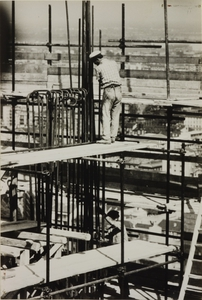 Construction of the Pirelli Centre - Moments at work - photo by Publifoto