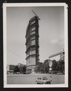 Construction of the Pirelli Centre - summer 1958 - photo by Publifoto