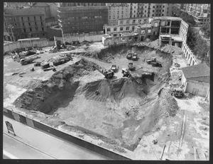 La demolizione della Brusada: smantellamento dei fabbricati su via Filzi e inizio delle operazioni di scavo