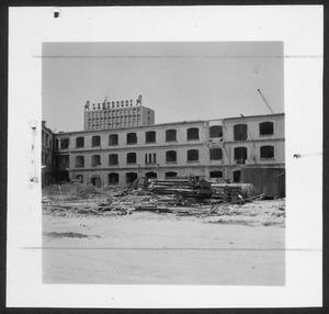 La demolizione della Brusada vista da piazza Duca d'Aosta