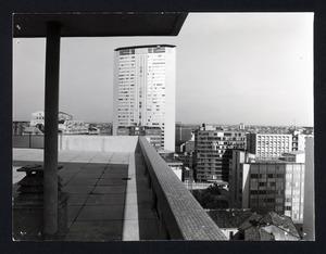 Gli esterni del Centro Pirelli - foto Edilfoto