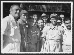 Lo staff tecnico di Juan Manuel Fangio in Argentina nel dicembre 1949