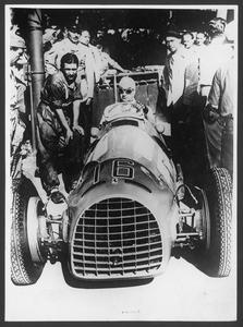 Il pilota Juan Manuel Fangio nel 1949