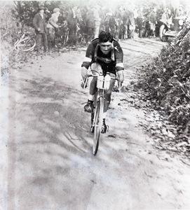 Il corridore ciclista Alfredo Binda (1902-1986) nel 1925