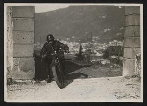 Corsa motociclistica sul lago di Como