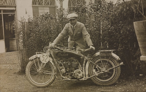 Un corridore motociclista su Indian