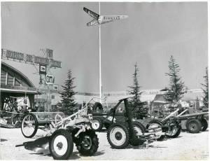Esposizione di macchine agricole gommate Pirelli