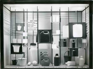 Moroni Gomma display cabinet set up with a display of polyethylene baskets in different shapes and sizes